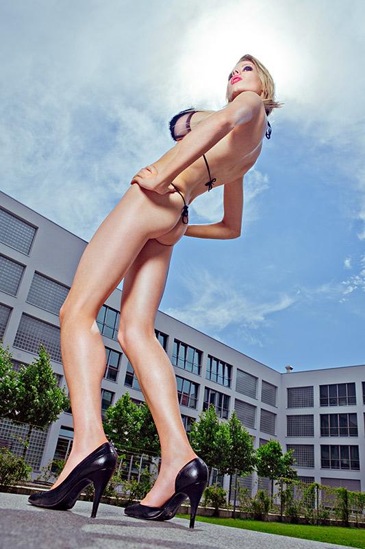 http://www.borispale.com/Glamour/images/AA_Kirsty_7731.jpg